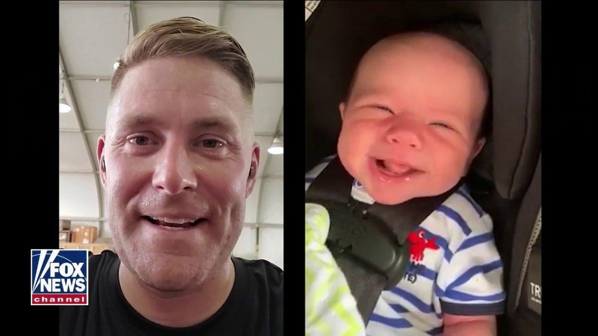 Utplacerad pappa överraskar familjen i hjärtvärt återförening, möter son för första gången vid Patriot Awards